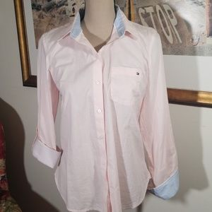 Tommy Hilfiger button down pink shirt. Size S